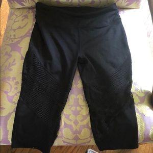 Black knee cropped leggings